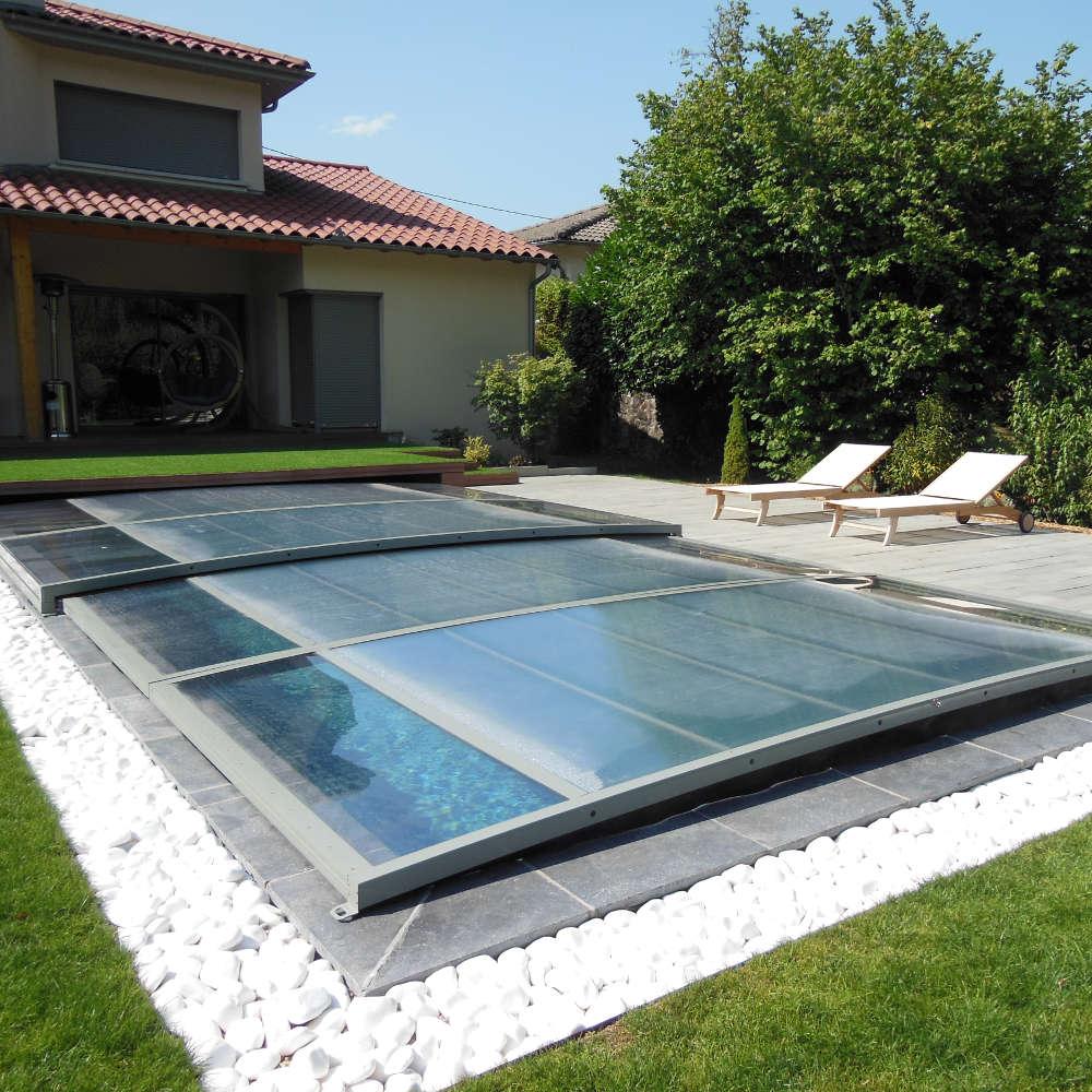 Constructeur de piscines sa ne et loire for Accessoire piscine professionnel